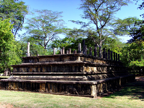 Hatadage and Atadage in Polonnaruwa