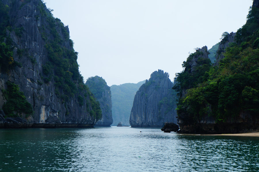 Ha Long Bay 18