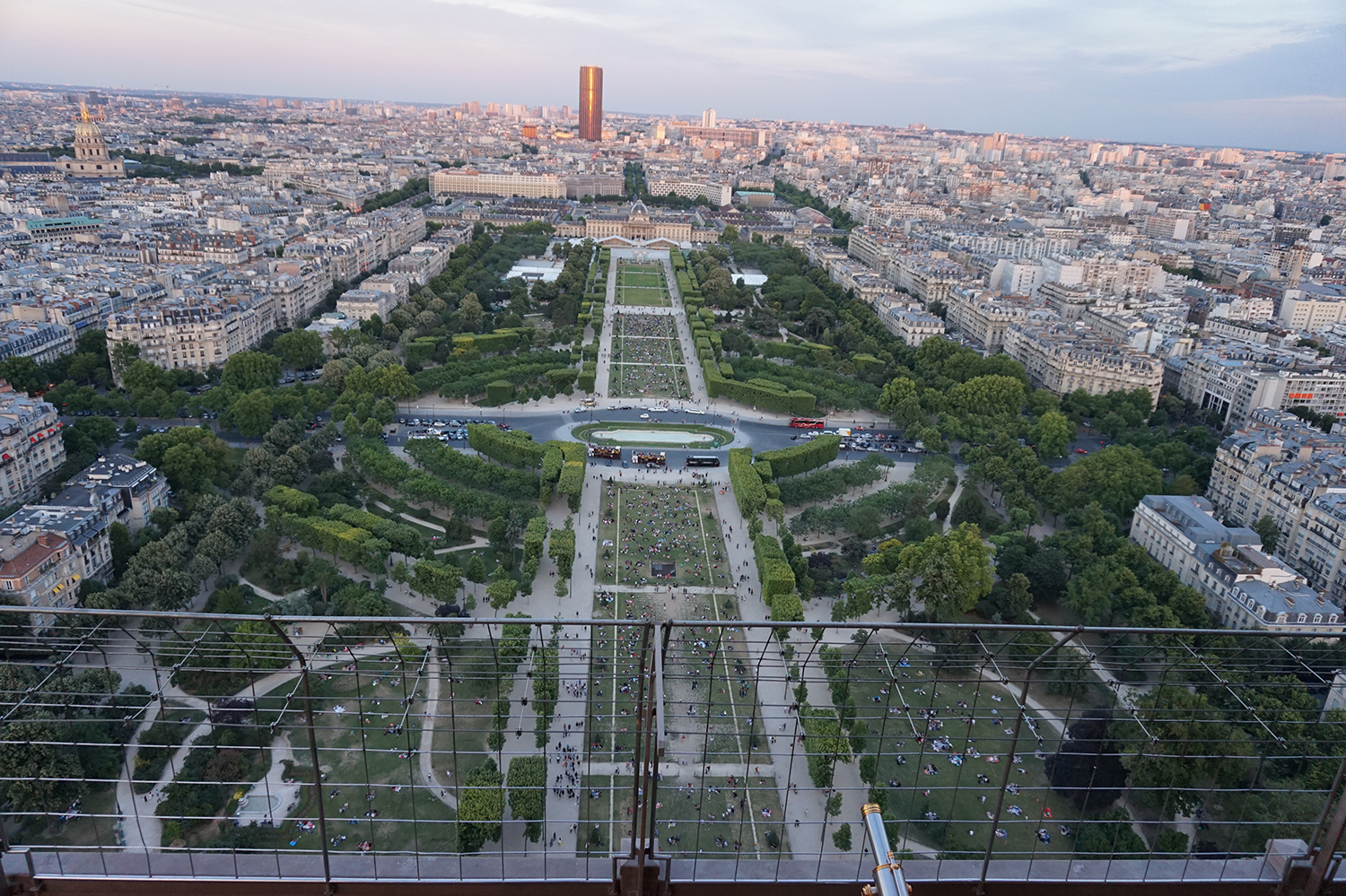 eiffel tower gardens